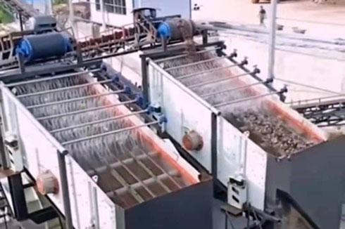 湖南砂石生产线3075高效振动筛,单台处理量800吨
